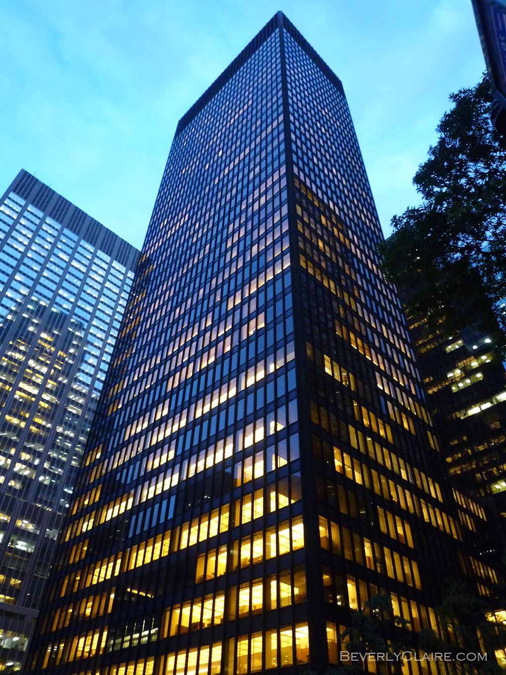 Http Designs Beverlyclaire Com The Seagram Building