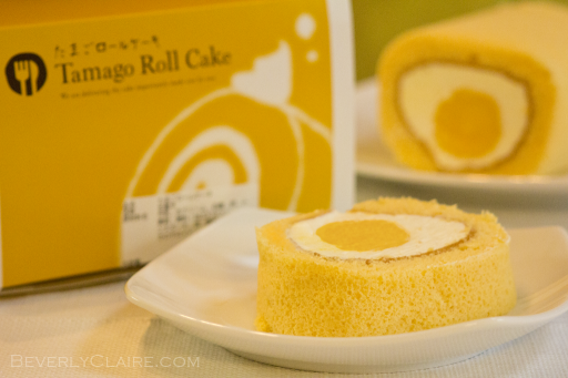 Egg-like cake roll
